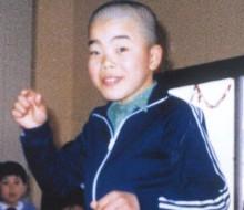 日吉小学校時代。ツルツル頭で人気者!